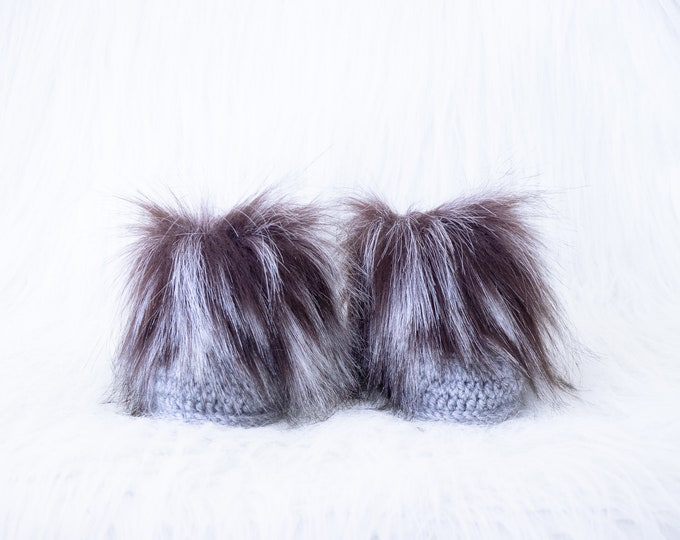 Gray booties, Baby boy winter boots, Faux Fur Baby Boots, Newborn shoes, Crochet Booties, Baby Boy Booties, Infant shoes, Neutral baby boots
