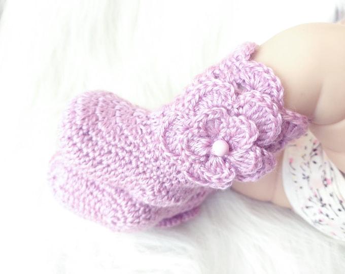 Crochet Baby booties with flowers, 0-3 month Baby socks, Baby shoes, Baby girl booties, Infant socks, Newborns girl socks, Baby girl Gift