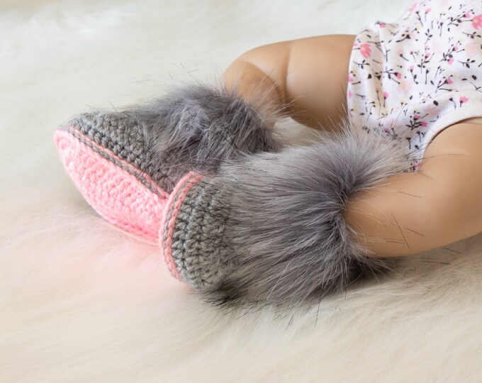 Gray and pink booties, Baby girl boots, Faux fur Booties, Newborn Booties, Preemie girl booties, Baby girl gift, Ugg style winter booties