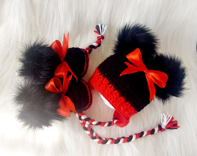 Red an White Baby girl double pom pom hat and faux fur booties with bows, Minnie Mouse Inspired outfit, Crochet Disney Mouse hat and booties