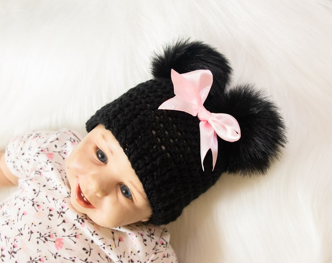 Minnie Mouse beanie, Baby girl hat, Disney Mouse hat, Black and pink hat, Preemie hat, Crochet baby girl hat, Newborn girl photo prop hat