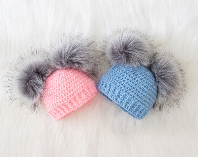 Boy and girl double pom pom hats, Twins Baby pom Hats, Hats for Twins, Newborn Baby Photo Prop, Newborn hats, Gift for twins, Preemie twins
