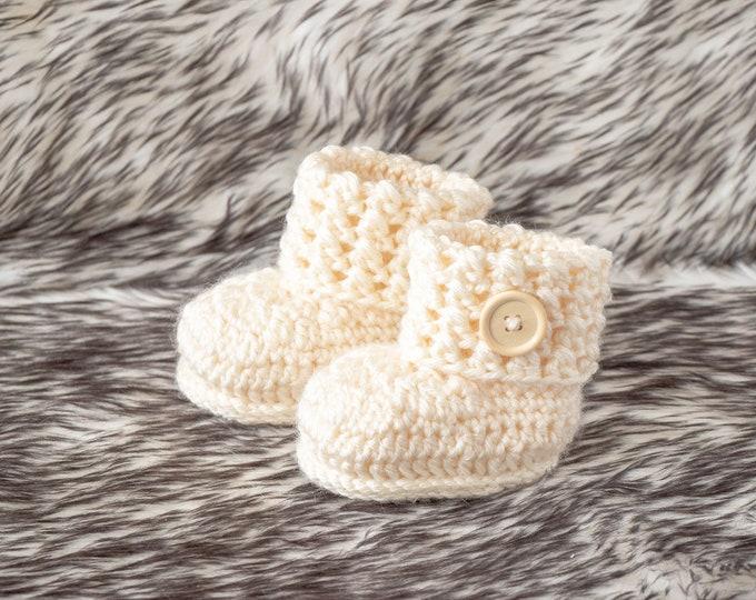 Unisex baby booties, Crochet gender Neutral booties, Baby shoes, Beige booties, Newborn shoes, Infant shoes, Baby shower gift, Preemie gift