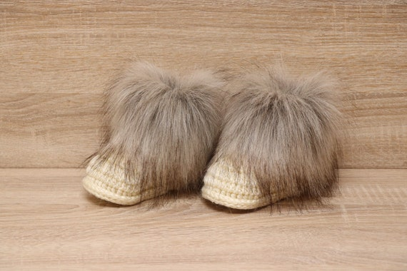 Double pom hat and booties Cream Booties and hat set  8adb3de91317