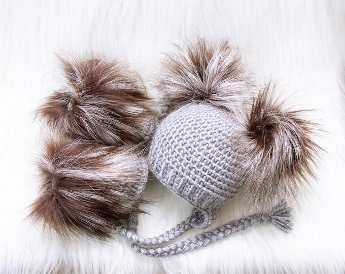 Gray Booties and hat set, Double pom pom hat and boots, Crochet baby clothes, Newborn winter clothes, Fur booties, Gender neutral baby