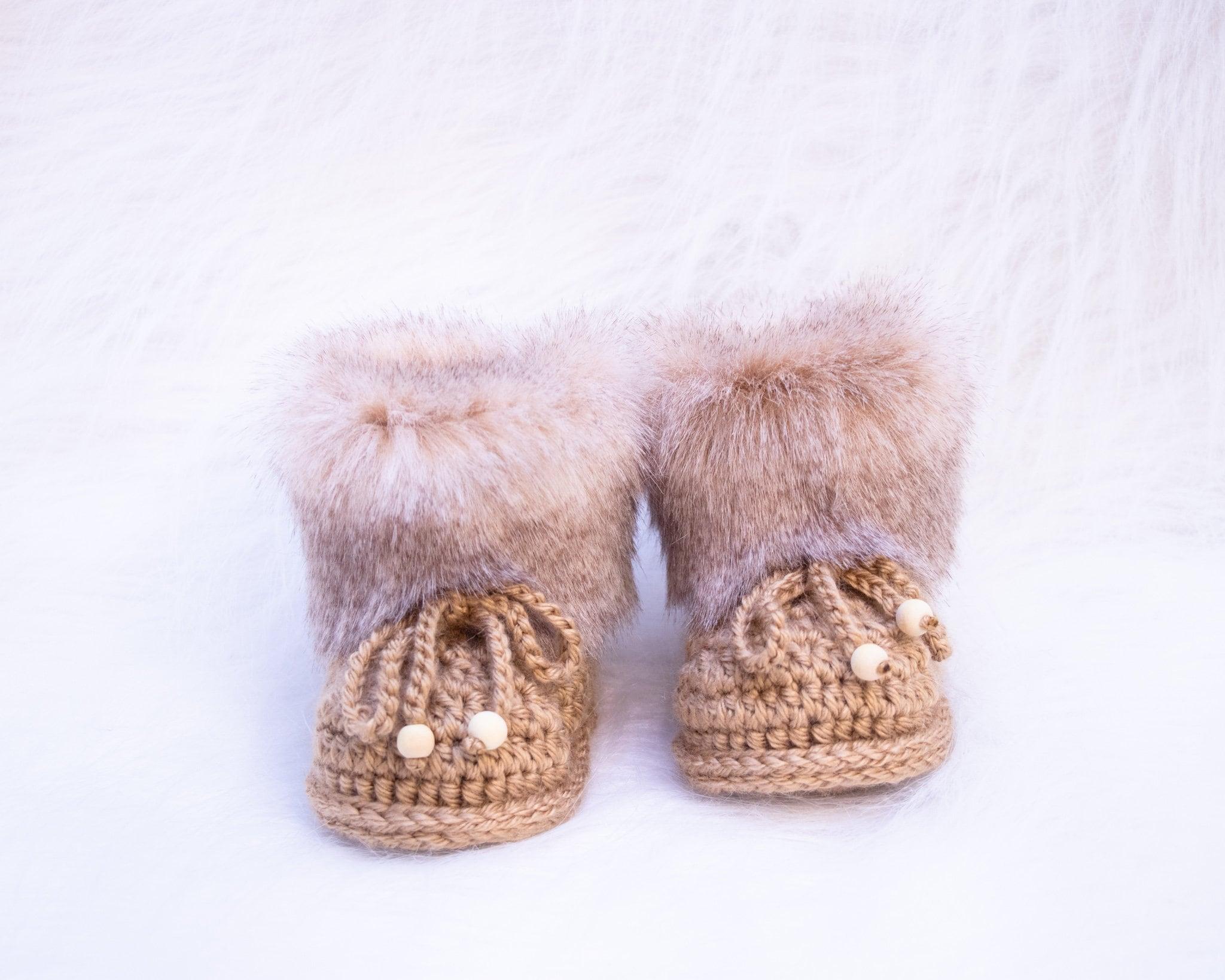 Gender neutral baby shoes, Crochet fur