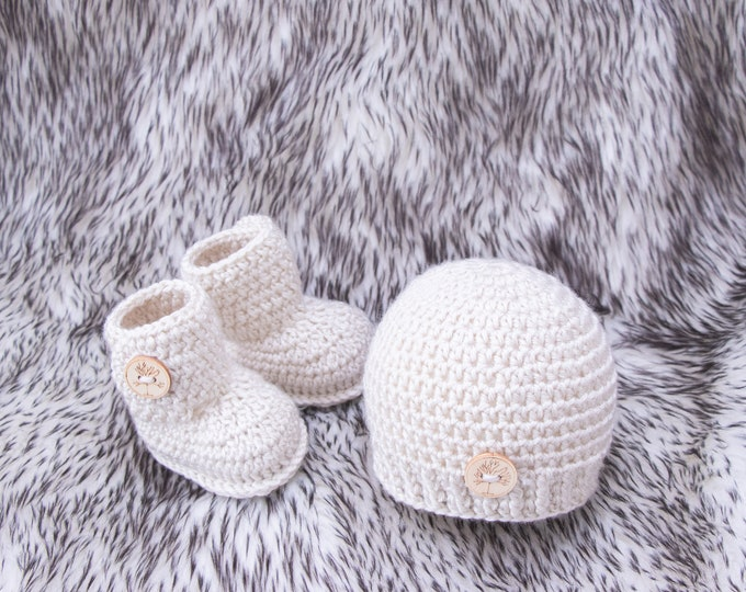 Crochet baby set, Baby booties, Baby beanie, Unisex baby clothes, Beanie hat, Gender neutral, Baby footwear, Infant shoes, Ready to ship