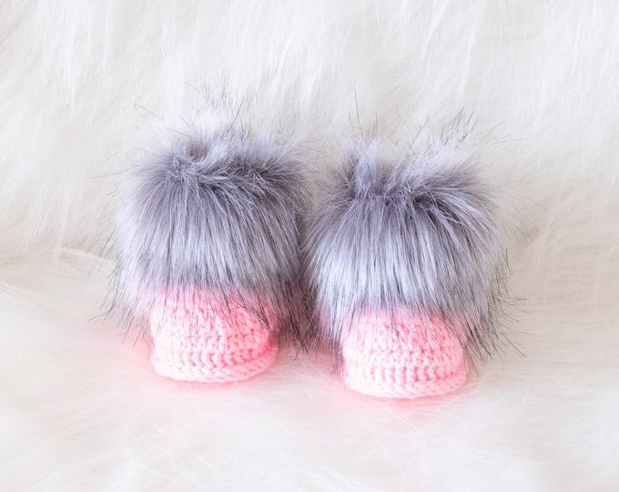 Gray and pink booties, Faux fur booties, Crochet Booties, Baby girl shoes, Baby girl gift, Newborn shoes, Pink booties, Preemie girl booties