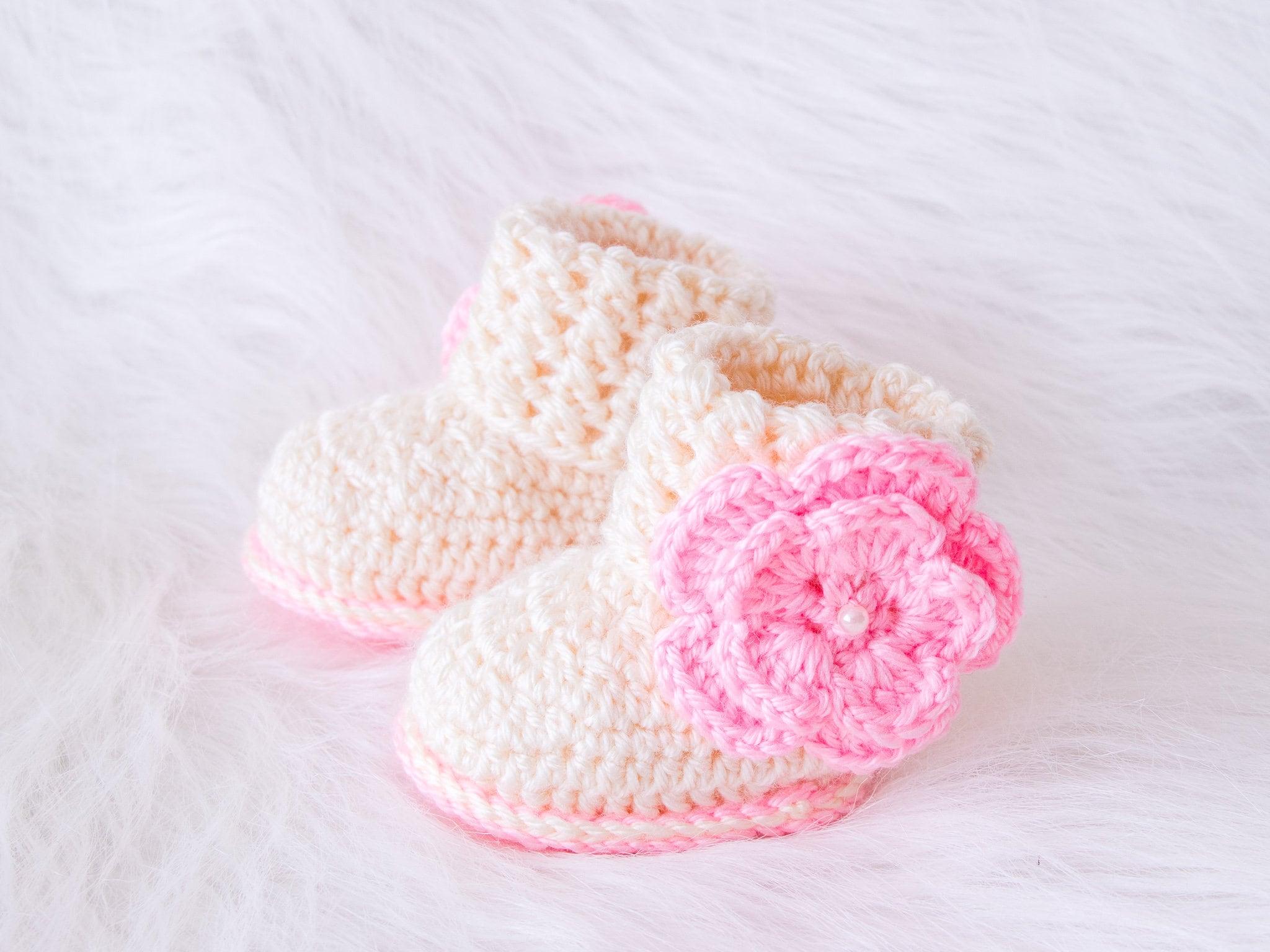 Baby girl booties, Flower booties, Baby