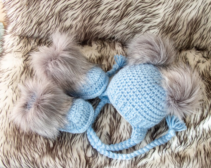 Baby boy Double pom hat and booties, Blue Booties and hat, Handmade Baby boy clothes, Newborn winter clothes, Fur booties, Baby boy outfit