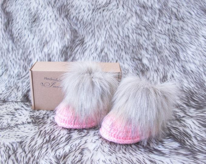 Pink Baby girl booties, Crochet baby Booties, Preemie booties, New mom gift, Fur booties, Baby girl shoes, Baby girl gift, Newborn booties