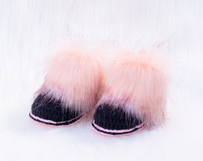 Black and pink infant baby faux fur boots, Crochet baby Booties, Baby girl shoes, Baby girl gift, Newborn girl shoes, Preemie girl booties