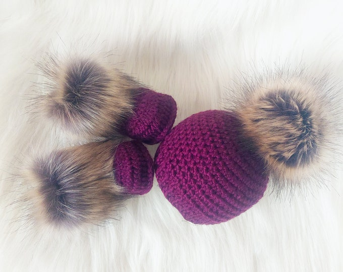 Grape Purple Baby girl Booties and hat, Baby girl winter clothes, Fur booties, Pom pom hat, Baby girl gift, Newborn girl set, Preemie outfit