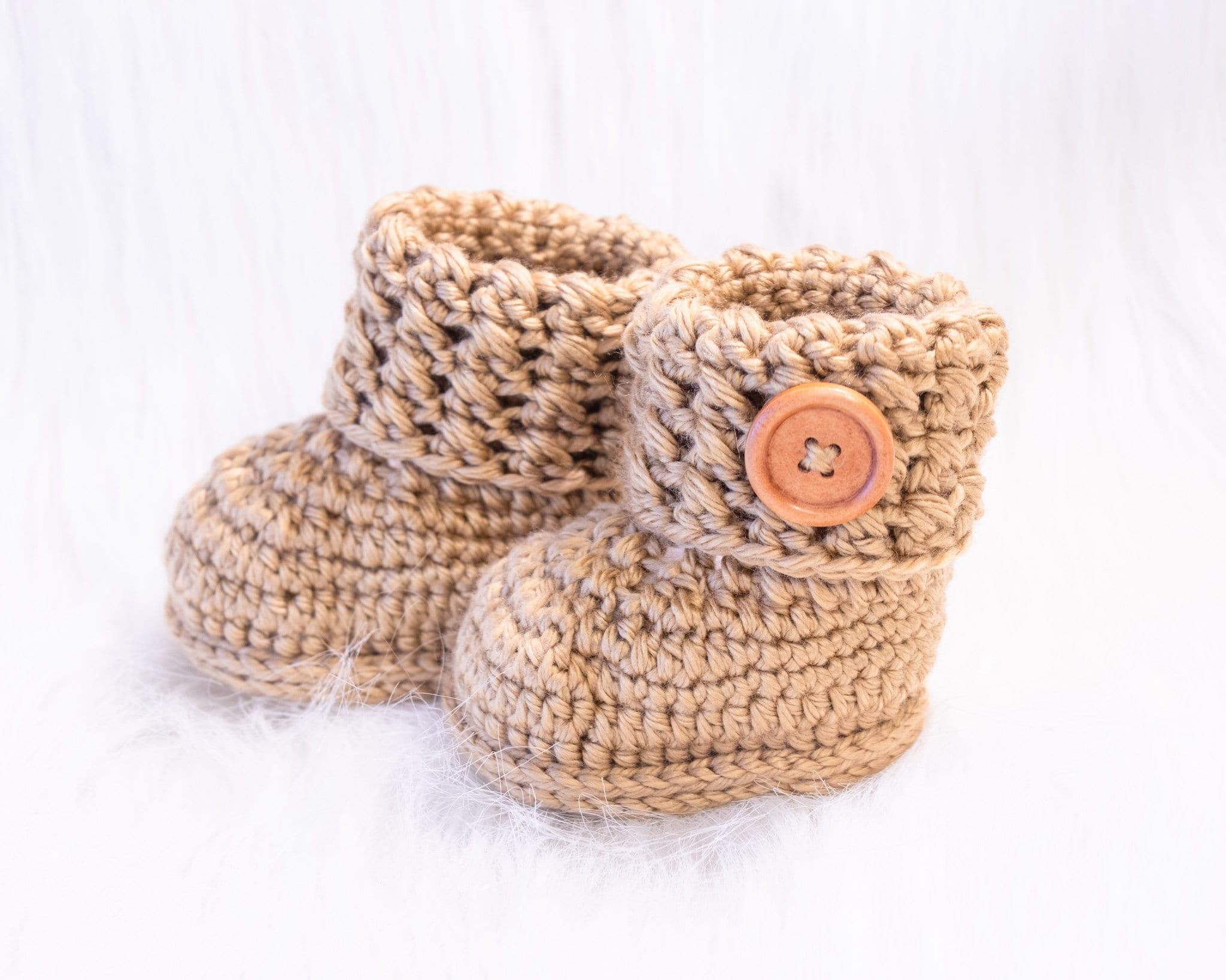 Crochet gender Neutral booties, Baby