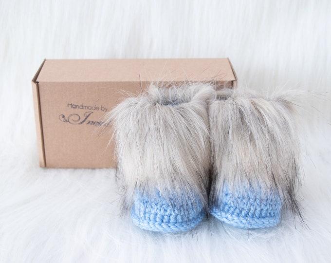 Blue Baby boy booties, Crochet baby Booties, Preemie booties, New mom gift, Fur booties, Baby boy shoes, Baby boy gift, Newborn boy booties