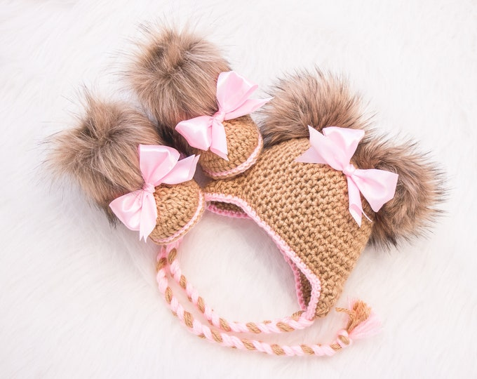 Crochet Baby girl fur booties with bows and double pompom hat, Baby girl clothes, Newborn girl outfit, Baby girl gift, Preemie girl clothes