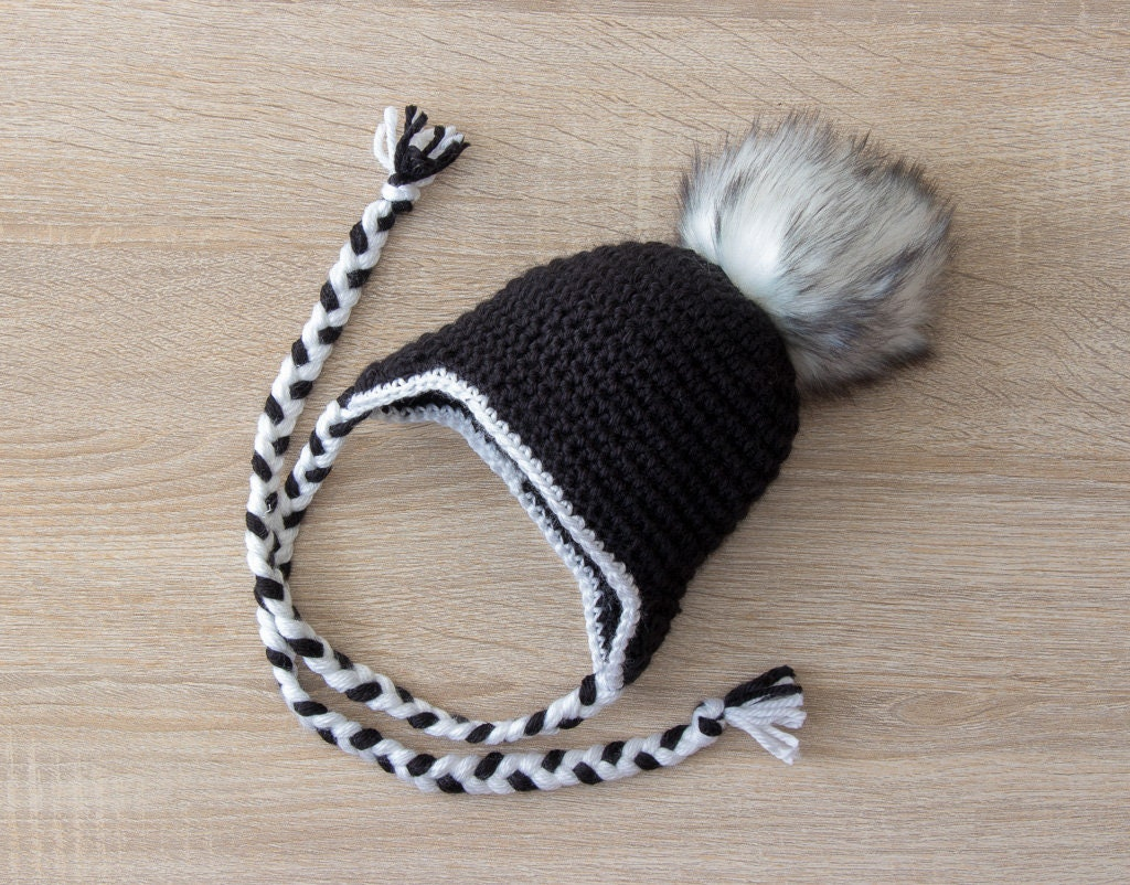 5fcf8fc4c Black and White pom pom hat and boots - Crochet baby hat and booties