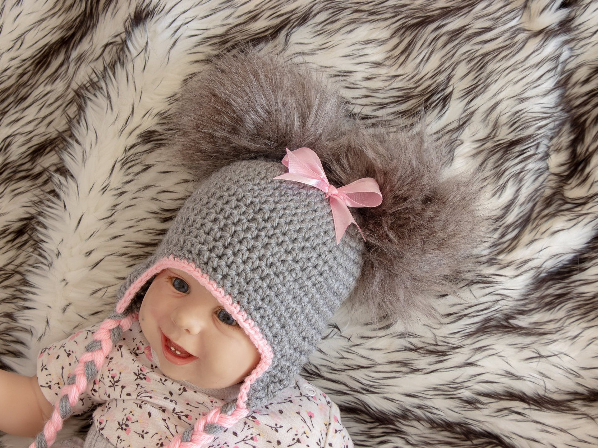 4249de4ea Gray and Pink Double pom hat with bow - Newborn girl hat - Baby girl ...
