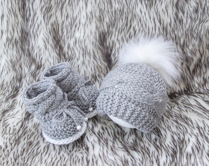 Gray Baby Booties and hat, Cable Knit Hat and Booties set, Gender neutral baby outfit, Baby hand knitted clothes, Newborn winter clothes