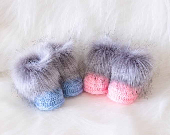 Booties for twins, Boy and girl booties, Newborn booties, Crochet Booties, Gift for twins, preemie twin clothes, Fur booties, Matching Twin