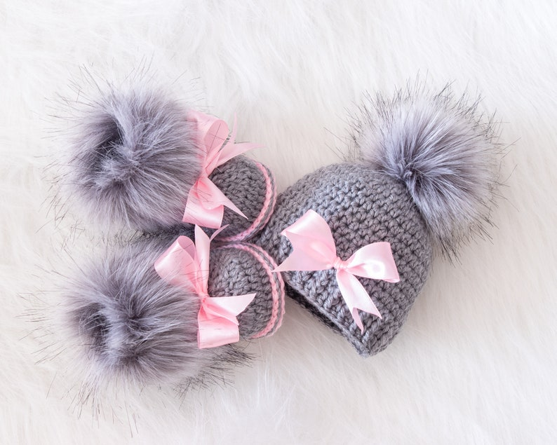 Baby girl pom pom hat and fur booties with bows Gray and pink image 1