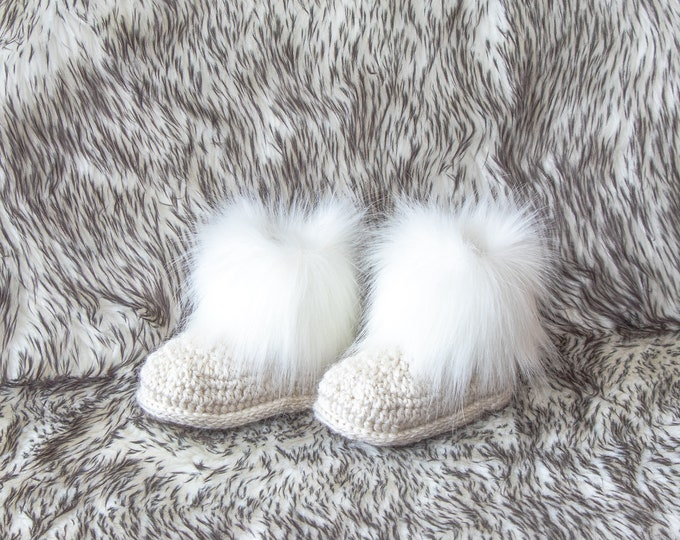 Baby booties, Gender neutral faux fur baby booties, Infant shoes, Crochet baby booties, unisex baby boots, Baby winter boots, Newborn shoes