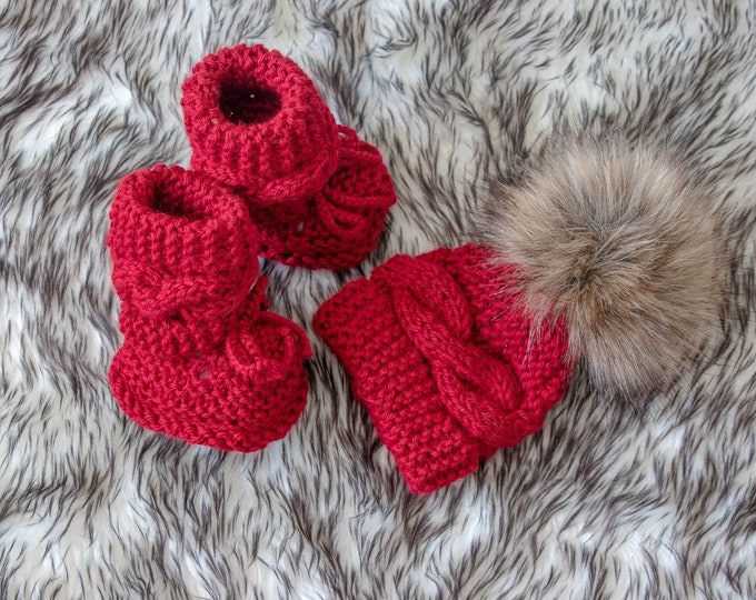 Ready to ship, Hand knitted Baby girl Hat and Booties set, Baby winter clothes, Cable Knit hat and booties, Baby knitwear, Baby shower gift