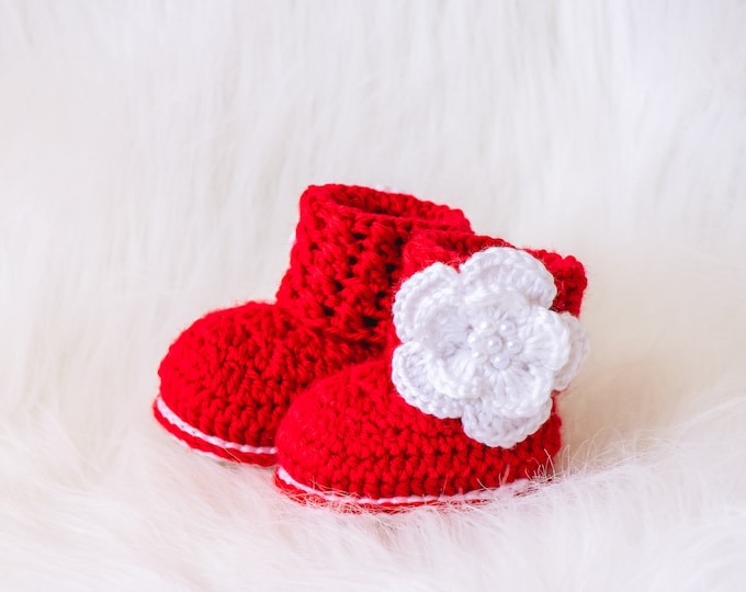Red baby flower booties, Baby girl booties, Flower shoes, Baby girl gift, Newborn girl shoes, Crochet baby booties, Preemie girl booties