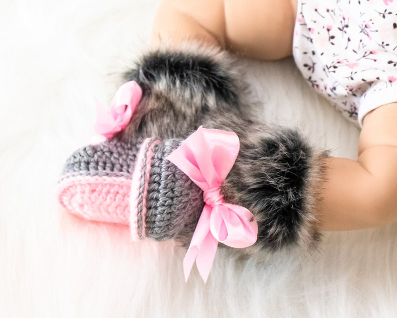 Gray and pink fur booties Newborn girl shoes Preemie girl 0-3 months US kids'