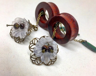 Magnetic Tunnels w/ Vintage Lily Dangles-Sizes 2g(6mm)-38mm/Wedding/Hippie/Flower Plug Gauges/Bohemian/Organic Plugs/Flower Gauges/Eyelets