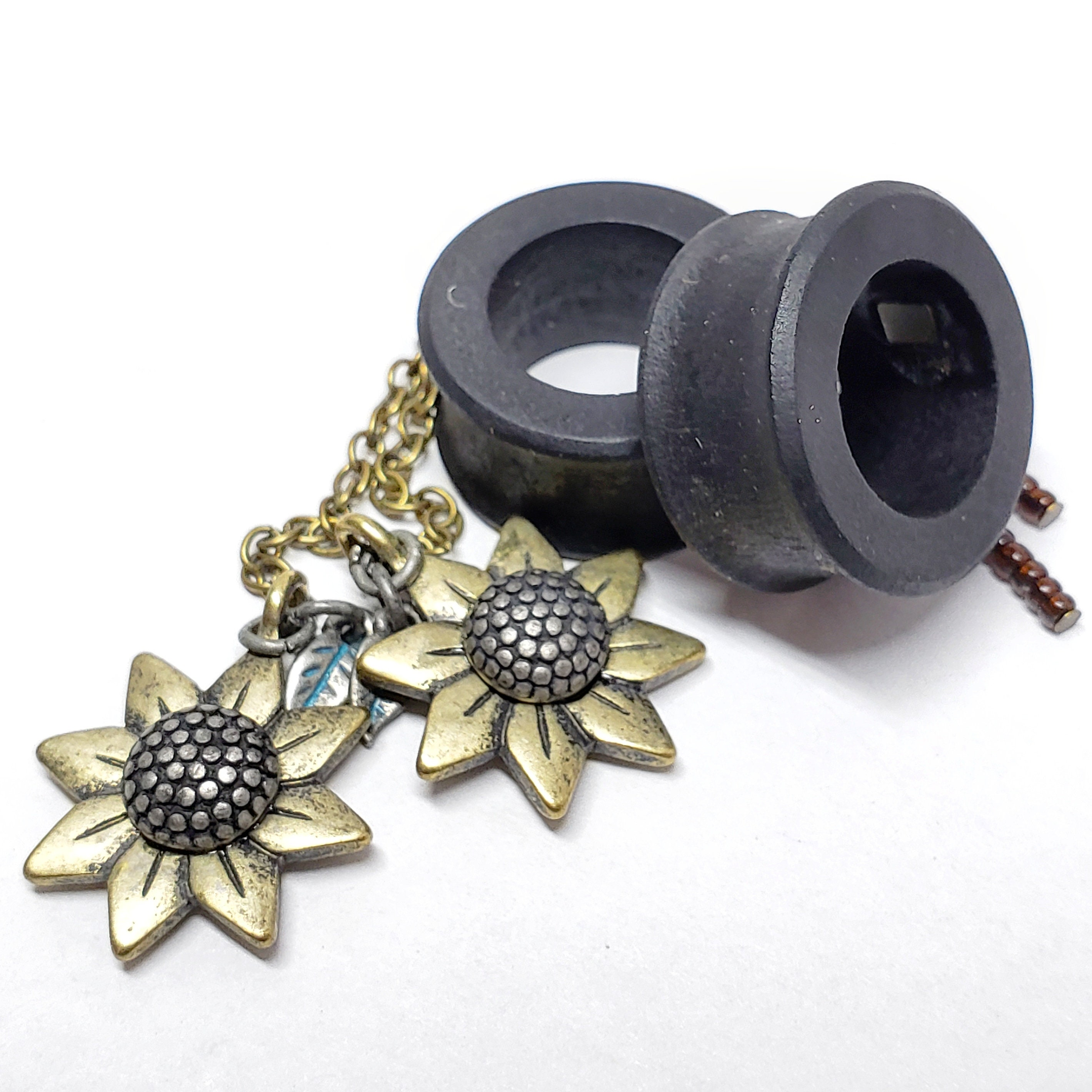 1 inch Pair of Black Flower Wood Tunnels and Steel Pendant Necklace 2g