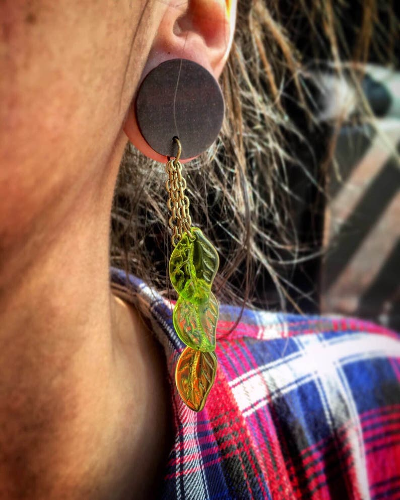 through 1 6mm 25mm Organic Glass Green Leaf Dangles- Available as Plug Gauges or Tunnels Sizes 2g Wood Gauges Glass Plug Dangle Gages