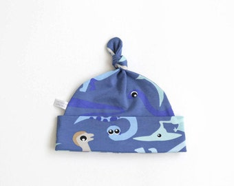 Blue cotton baby hat, baby knotted hat, knot hat, knotted hat, dino print, cotton baby hat, newborn hat. Dinosaurs, knit fabric