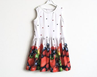Girl's dress with fruit