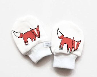 Organic scratch mitts with orange foxes