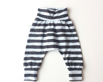 Harem pants with black and light grey stripes