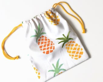 Drawstring pouch of cotton with pineapples