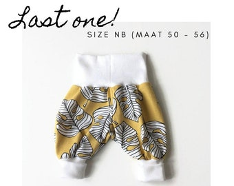 Organic bubble pants with plant leaves. Size NB