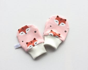 Soft baby mittens with sleepy foxes, baby scratch mitts, knit fabric. Baby Gift Boy or Girl Hand Covers Gender neutral. Shower gift