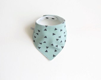 Green baby bandana bib with triangles
