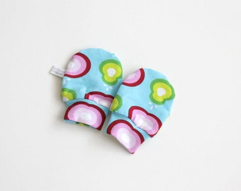 Organic baby mittens, scratch mitts GOTS fabric with retro apples and pears. Baby Gift Boy or Girl Hand Covers Eco Friendly Gender neutral