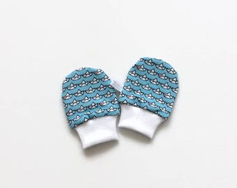 Blue baby mittens, baby scratch mitts. Jersey cotton knit with paper boats. Baby Gift Girl or Boy Hand Covers. Baby shower present