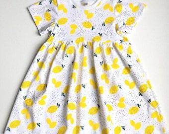 Girl's dress with lemons
