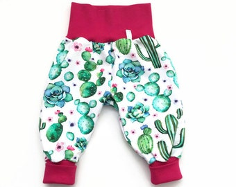 White bubble pants with cactuses