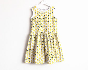 Girl's sleeveless dress with lemons