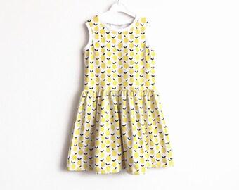Girl's sleeveless dress with lemons