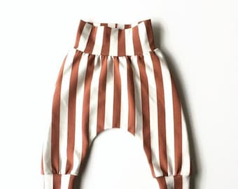 Harem pants with vertical stripes