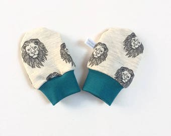Grey baby scratch mitts. Mittens with cuffs. Shower gift. Gray knit fabric with lions. Gender neutral no scratch mitts