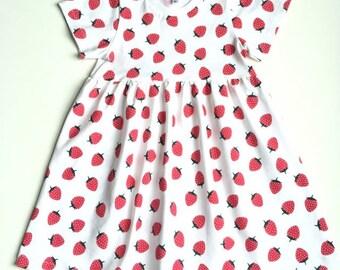 Girl's summer dress with lemons