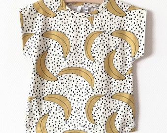 Baby or toddler shirt with bananas
